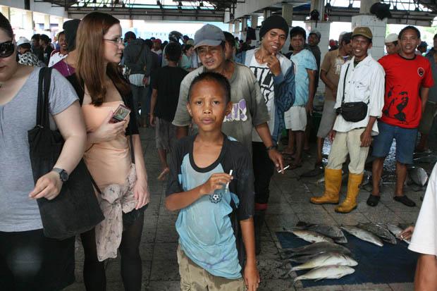 Voll war es auf dem Fischmarkt.