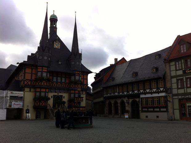 Die Altstadt von Wernigerode mit dem Rathaus.