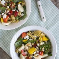 Fruitige pastasalade