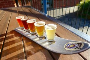 A ski paddle of beers at Sweetwater