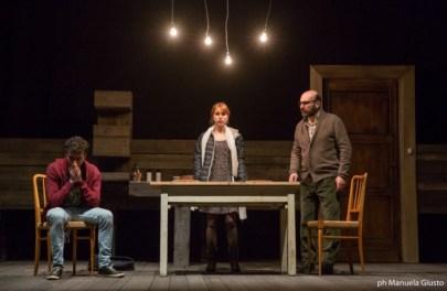 """""""Nessun luogo è lontano"""" - Teatro Franco Parenti Milano"""