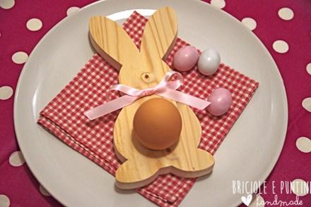 coniglio porta uova in legno