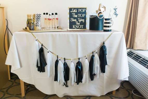 Golden-Glamour-Bridal-Party-Drinking-Station