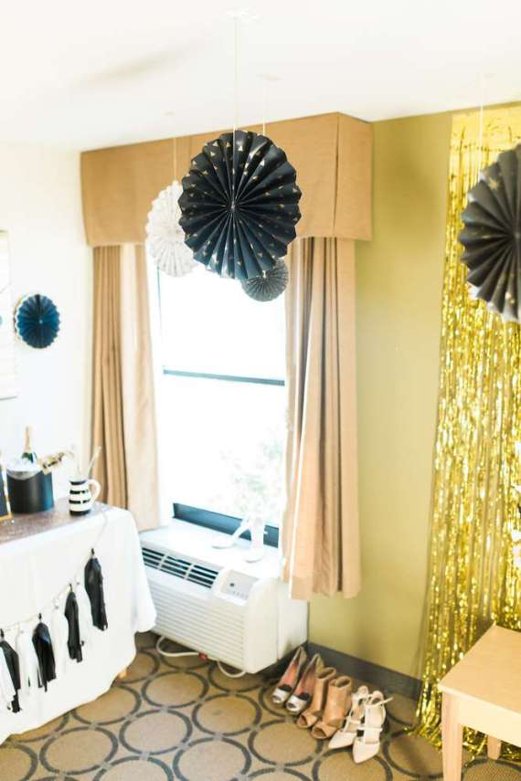 Golden-Glamour-Bridal-Party-Hanging-Decor