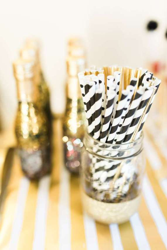 Golden-Glamour-Bridal-Party-Straws