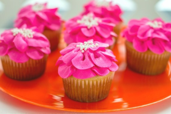 Pink-Tropical-Bridal-Shower-Cupcakes