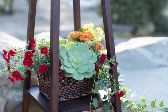 Colorful-Au-Natural-Bridal-Shower-Flowers