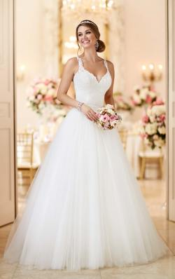 Snazzy A Classic Wedding Dress Styles Ivory Wedding Shoes Choosing Bridal Shoes Big Bust A Classic Bridal Spot Ivory Wedding Shoes Choosing Bridal Shoes Short Brides Wedding Dress Styles