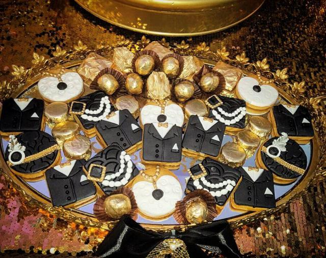 Chic Gatsby Themed Wedding Table Cookies and Chocolates