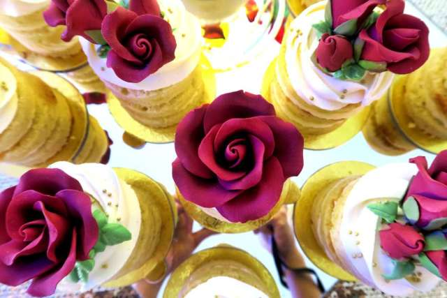 Beauty-And-The-Beast-Dream-Wedding-Flower-Toppings