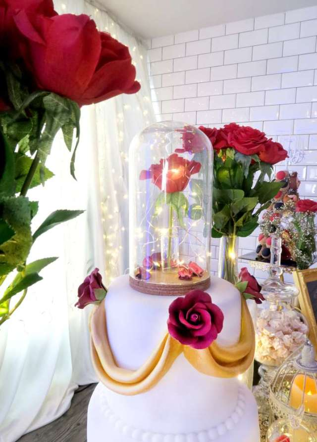 Beauty-And-The-Beast-Dream-Wedding-Lit-Rose