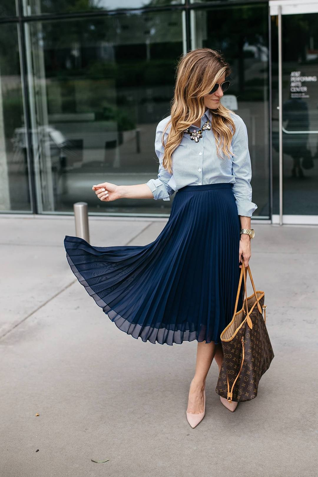 business casual outfit pleated midi skirt-3