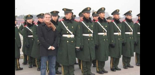 photobomb army