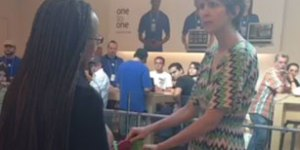 Lady bitching in the Apple Store is a perfect Vine video