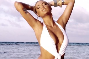 Kate-Upton-beach-bunny-bikini-pics