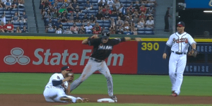 Andrelton Simmons Made Another Spectacular Diving Catch, May Be a Sorcerer