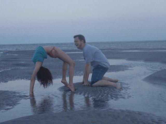 beach-yoga-creeper