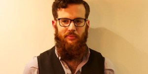 Hipster Tries To Crowdfund Dates With Women But Man Vows To Ruin Them With Accordion