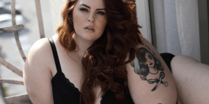 "The World's First Obese Model Is This Woman Who Weighs Over 250 Pounds At 5'5"" And Is A Size 22"