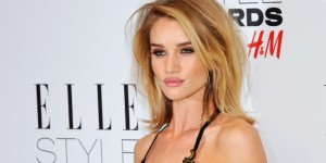 Rosie Huntington-Whiteley Won Model Of The Year, Showed Why With An Epic Display Of Sideboob