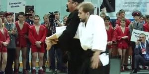 Steven Seagal's Martial Arts Demonstration Is The Most Entertaining Thing On The Internet