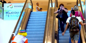 Clown Smashing Pie Into Lady's Face While On An Escalator Is So Mean, But I Can't Stop Laughing