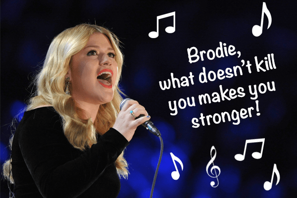 Kelly Clarkson singing to Brodie