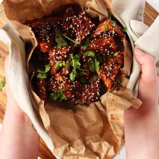 Vegan Chicken Wings - Don't feel left out this Super Bowl, I got you covered with this vegan recipe for chicken wings. All made with Tempeh and an awesome asian twist - BrokeFoodies.com