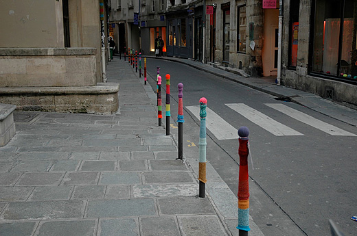 Knitta's work in France