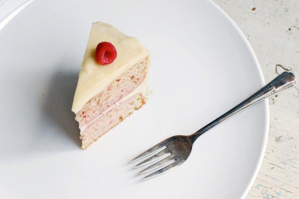 raspberry cake with vanilla buttercream // brooklyn supper