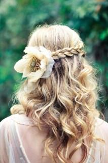 brudehår-flette-løst-naturlig-hår