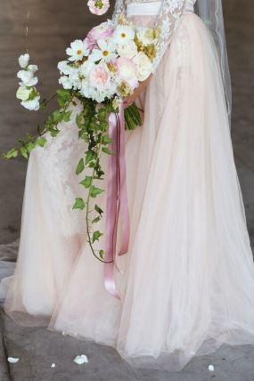 thebabushkaballerina-blush-brudekjole-med-tyll-og-blonder