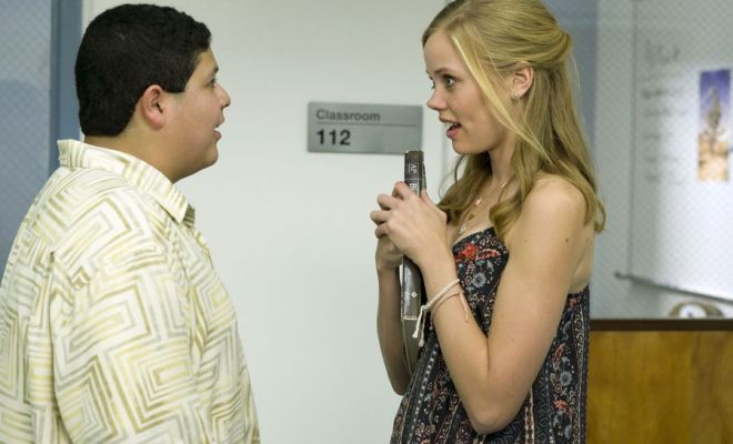 new photos from modern family s upcoming quot promposal quot episode