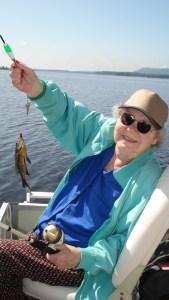 Fishing lady w sunfish 0808