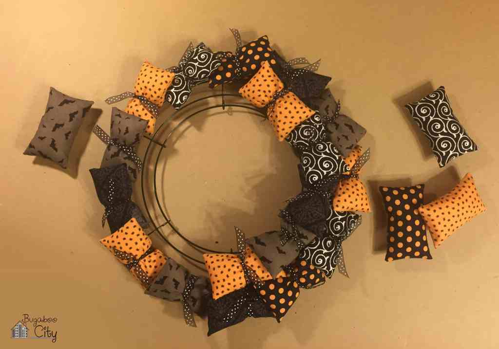 Halloween Pillow Wreath Tutorial 2