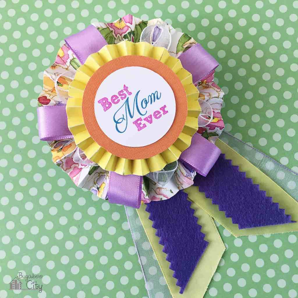 DIY Mother's Day Medallion Pin Tutorial and Free Printable