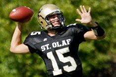 Saint Olaf American Football Player