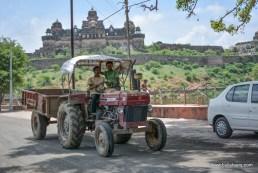 Bulleteers visited the seven floor, Bir Singh Palace in Datia , on the ride to Deogarh, Uttar Pradesh.