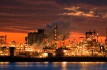 industria petrolchimica (oneeighteen@flickr)
