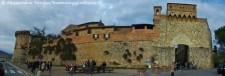 San Gimignano porta e bastioni