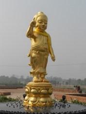 Statua di Buddha bambino a Lumbini