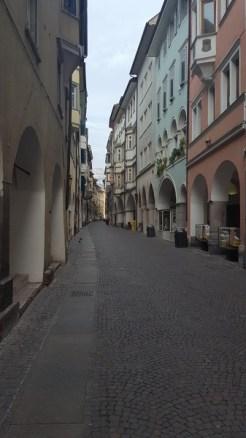 Bolzano via portici