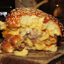 Mac n Cheese Burger