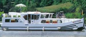 Locaboat self-drive