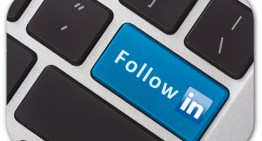 Un bouton «Follow» sur LinkedIn