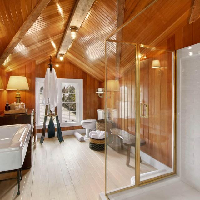 18_Bathroom_3r_Floor_1462997424