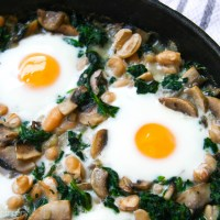 white bean, spinach and mushroom egg bake
