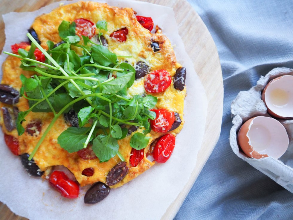 Mediterannean Omelette, Healthy omelettes, clean eating, simple breakfast ideas, recipe by rosie, www.by-rosie.com