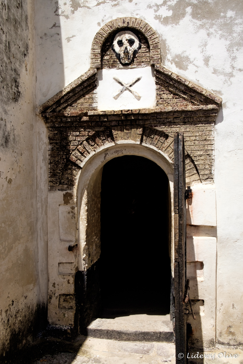 prison for the black at elmina castle