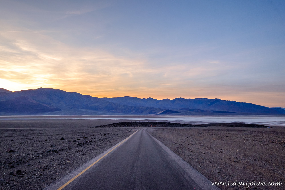 Sun sets in Death Valley